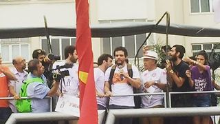 'Narcos' Star Wagner Moura Addresses Anti-Temer Demonstration in Rio