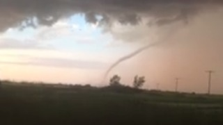 Possible Tornado Forms Near Alida, Saskatchewan - Video