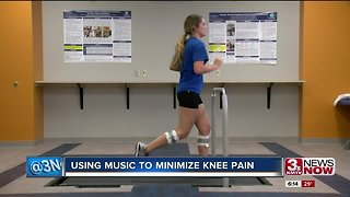 Using music to minimize knee pain