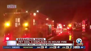 Family of 4 displaced by West Palm Beach townhouse fire - Video