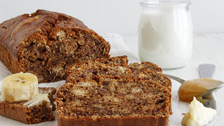 How to make the best banana bread - Video