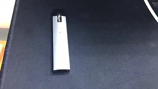 This vaping device looks like a flash drive - Video
