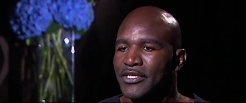 Evander Holyfield returning to the ring