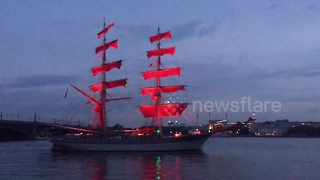 Scarlet Sails rehearsal sweeps along St. Petersburg's Neva during White Nights - Video