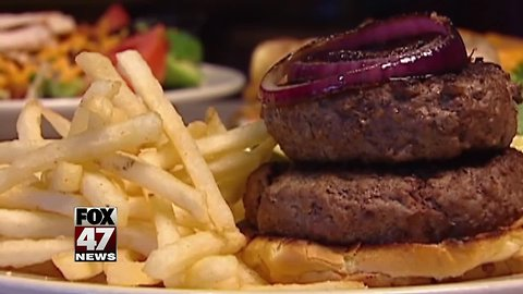 Only 2 top burger chains get 'A' grade for serving antibiotic-free beef