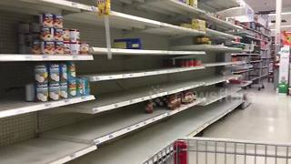 Puerto Rico's supermarket shelves still empty eight weeks after Maria - Video