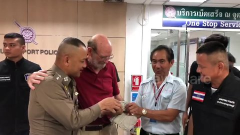 American tourist, 74, re-united with $10,000 he forgot in airport taxi