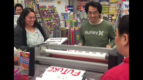 Los Angeles School Supply Store Laminates Teachers' Strike Signs for Free