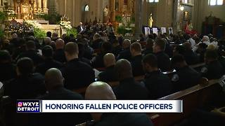 Honoring fallen police officers - Video