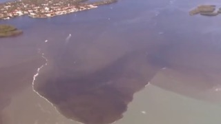Release water from lake Okeechobee - Video