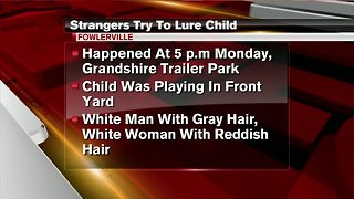 Police looking for pair that tried to abduct young child
