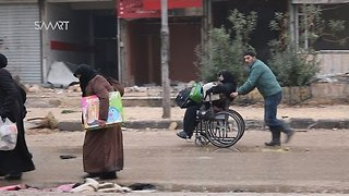 Dozens of Families Rush to Safer Areas as Regime Claims Control Over Aleppo - Video