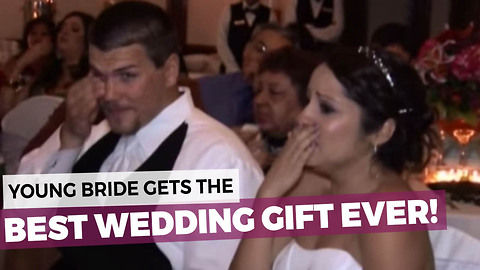 Her Dad Didn't Want To Give A Speech So He Decided To Do Something Very Special Instead!