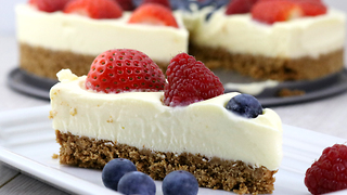 No-bake berry cheesecake recipe - Video