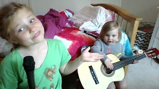 Is this the most adorable duet of all time? - Video