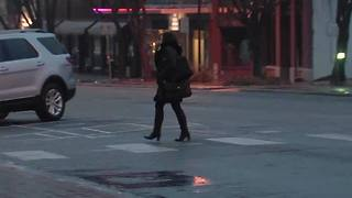 Freezing temperatures bear down on Bartlesville, Oklahoma - Video