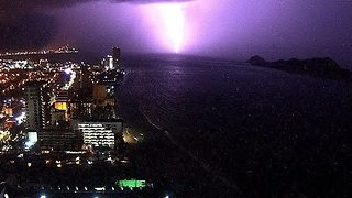 Timelapse Shows Dramatic Storm Over Mazatlán - Video