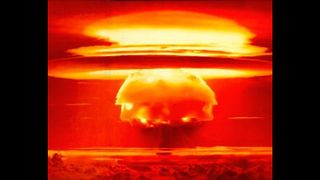 10 Times We Came Close To Nuclear War - Video