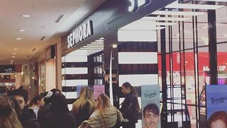 Huge Crowds Gather for Sephora Opening in Suburban Sydney - Video