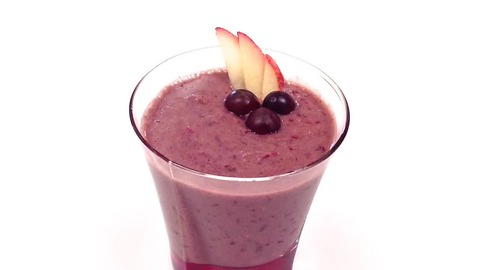 How to make a healthy red grape, apple and acai berry smoothie