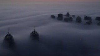 Early Morning Fog Covers Dubai, Over 100 Flights Delayed - Video