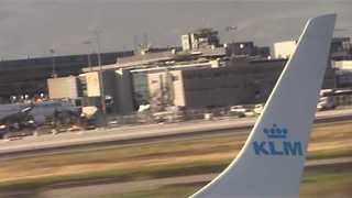 Passenger Captures Take Off and Landing on Board KLM Flight - Video