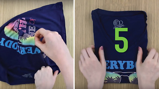 How to fold a t-shirt in 5 seconds - Video