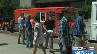 Omaha city council approves tax to food trucks 5pm - Video