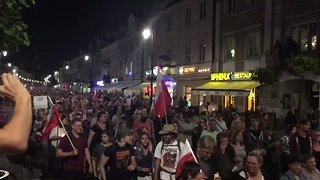 Protests March Through Warsaw Towards Parliament - Video