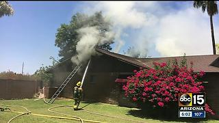 Roof collapses during fire at Chandler home - Video
