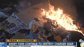 Angry fans continue to destroy Chargers gear - Video