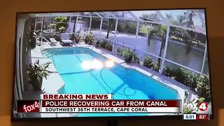 Car crashes into Cape Coral canal - Video