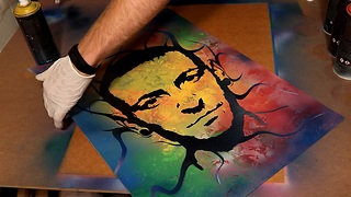 Spray paint artist honors Chester Bennington with incredible portrait - Video
