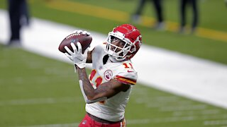 Kansas City Chiefs' Barber Tests Positive For COVID