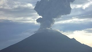 Mexico's Popocatépetl Erupts With Spectacular Explosion - Video