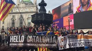 Supporters of Catalan independence gather in London - Video