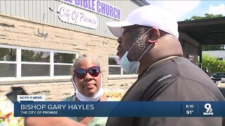 Fairfield church gives away groceries