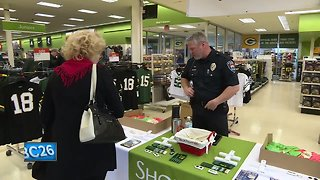 Shop with a Cop donation drive helps children in need buy holiday gifts - Video