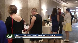 Mike and Heaven Daniels host 2017 Touchdowns for Hope Gala - Video