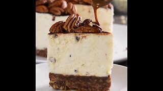 Nut Cheesecake with Chocolate and Caramel