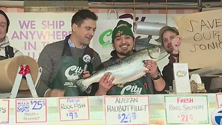 Matt Hasselback says Lions have a chance to beat Seahawks, as Brad Galli reports from a fish market - Video