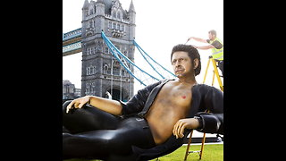 A Giant Jeff Goldblum Statue Has Taken Over London