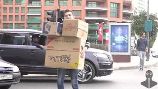 Pranksters trick drivers with invisible boxes - Video