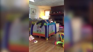 """""""A Tot Boy Tries to Escape His Crib While the Grandma Is Watching"""" - Video"""