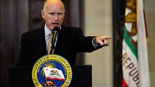 Gov. Jerry Brown Criticizes Trump Administration After DOJ Sues Calif. - Video