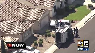 Man in custody after barricade situation in north Phoenix - Video