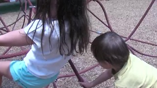 How to report problems at a public playground - Video