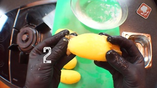 How To Peel A Boiled Potato In Seconds Using Just Your Hands - Video