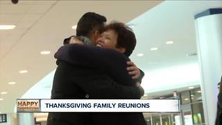 Families reunite for Thanksgiving - Video