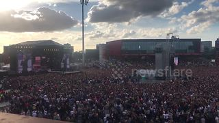 Thousands attend 'One Love Manchester' solidarity concert - Video